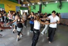 Cursos de ritmos: reggaeton, aerolatino, salsa, bachata chacha.